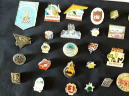 Colecionista oferta 36 pins de metal exelente estado
