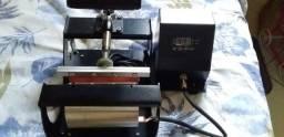 Máquina de estampar canecas (DECO)