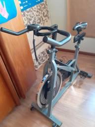 Vendo Bicicleta Spinning Profissional