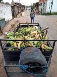 Cacho de banana 20 e 25 reais