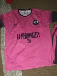 Material 11 uniformes e 1 blusa do goleiro