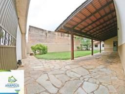 Casa no Cidade Jardim, 3 quartos sendo 1 suíte, 420 m² / próximo do banco do Itaú