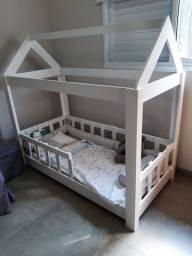 Cama infantil montessoriana com colchão