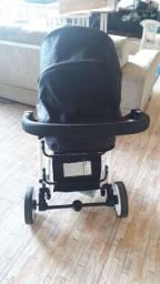 Carrinho  com bebê conforto com base marca Safety , em ótimo estado