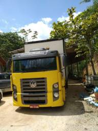 Vendo Constellation 13180 ano 2009 135 mil