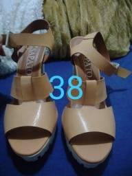 Vendo 5 pares de sapatos  de salto