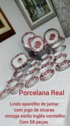 Jogo de jantar e de chá de porcelana