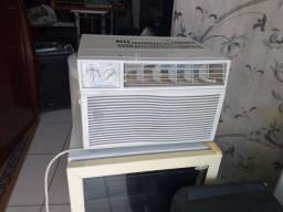 Ar condicionado 7500 BTUs  400 entrego