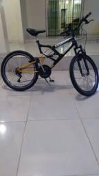 Bike aro 24 tudo ok,com Machas  rodados aéreos