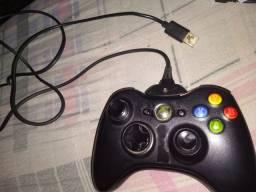 Controle Xbox 360 com carregador