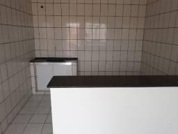 Alugo apartamento na rua Aquiles Lisboa