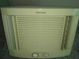 Ar condicionado  de janela 7 mil btus
