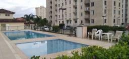 Apartamento mobiliado de 2 quartos com suíte, varanda e garagem - Centro de Itaboraí