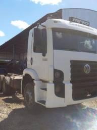 Caminhão 24 250 ano 2011
