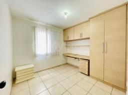 Sobrado 3 quartos c/ 1 suíte em condomínio fechado