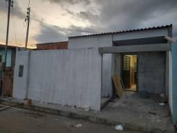 Valor à vista, Casa com 2 Qrts/ 1 banheiro social. Rio Piorini.