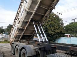 Caminhão carreta caçamba