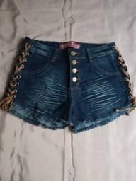 Short Jeans Tamanho 42 Com Lateral de Couro