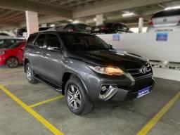 Toyota Hilux SW4 SR- 2.7, cinza, 2016/2017
