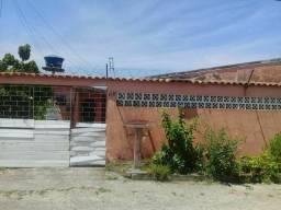 Vendo ou troco casa em Paranaguá por chácara