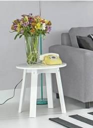 Mesa lateral em laca branca