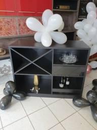 barzinho personalizado, ideal para decorar com vinhos, cervejas e e bebidas destiladas.