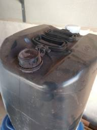Galão com 30 litros diesel