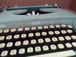 Máquina de Escrever Remington Holliday