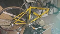 bike GTS R3 PRO toda Shimano rodagem fibra carbono SÓ TOROU O GARFO!!!