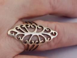 aneis lindos em prata 925 com pedras ou resinas lindos entrega á combinar