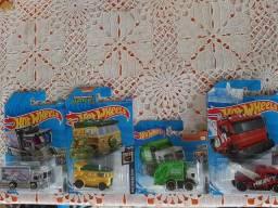 Lote Hot Wheels com 4 miniaturas lacradas caminhões e vans
