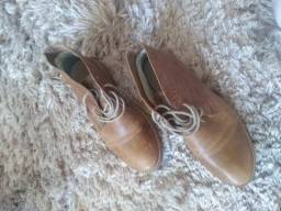 Sapato masculino couro tam 40 usado pouquíssimas vezes