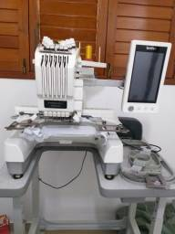 Máquina de bordar semi profissional