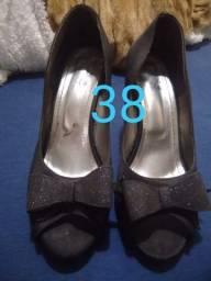 Vendo  6 pares de sapatos de salto