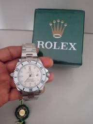 Relógios novos na caixinhas
