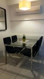 Mesa em aço inoxidável com tampo de vidro + 4 cadeiras - super conservada