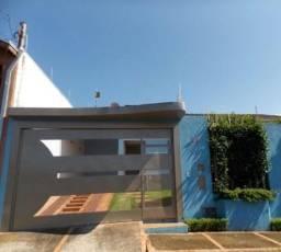 Excelente Casa no Jardim Saba em Tatui