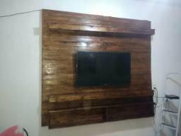 Painel feito com madeira de paletes
