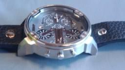 Relógio Cagarny Quartz - Aceito de Crédito e Débito