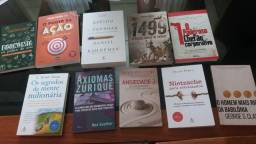 Kit de livros semi novos