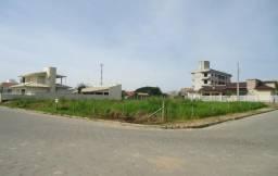 Amplo terreno de esquina no Centro de Jaguaruna