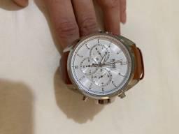 Relógio masculino Hugo Boss super conservado!!
