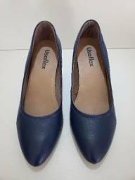 Sapato azul marinho marca usaflex