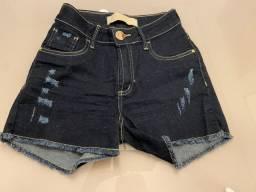 Short jeans lança perfume P