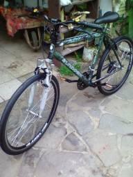 Linda bike com suspensão aro 26 aero 18 v pintura original toda revisada só andar entrego