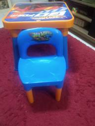 Mesa infantil hot Wheels