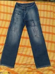 Vendo calça jeans numero 38 que interessar entre em contato numero *