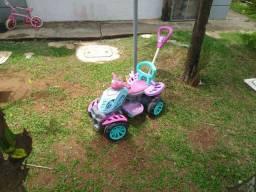 Quadriciclo infantil ( carrinho )