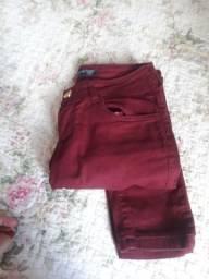 Vendo calça semi nova N34 cor Bordô