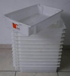 Lote de caixas empilhaveis